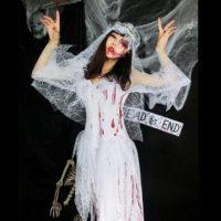 ハロウィンのコスプレ 鉄板のゾンビ花嫁!傷メイクでリアルに変身!